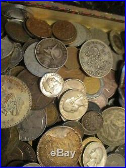 3 Pound Lot of World Coins in A Vintage Savarona Cigar Box with Silver Coins